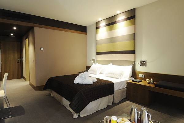 Double room with connecting door Hotel Las Caldas Spa & Sport in Asturias