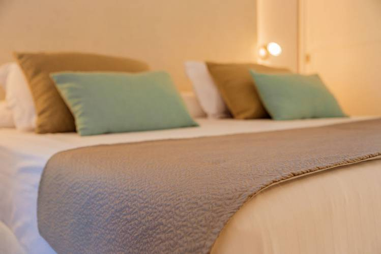 DISCOVER YOUR NEW ROOMS. Blau Hotels for Holidays