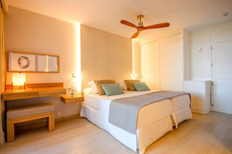 Deluxe double room blau colonia sant jordi resort & spa majorca