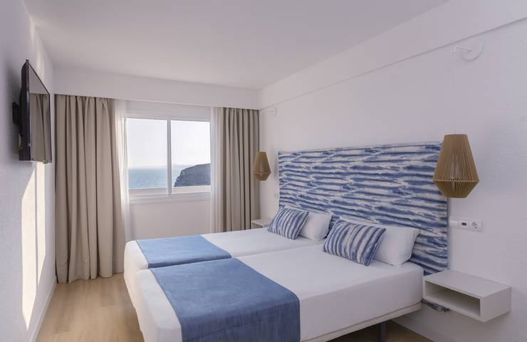 Sea front view junior suite blau punta reina junior suites  majorca