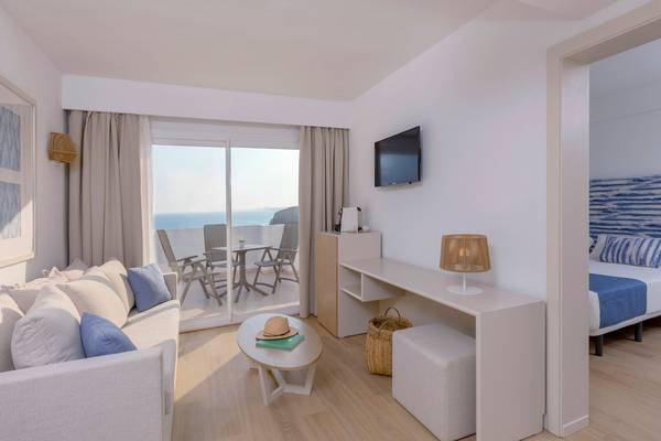 Sea Front View Junior Suite Blau Punta Reina Resort in Majorca