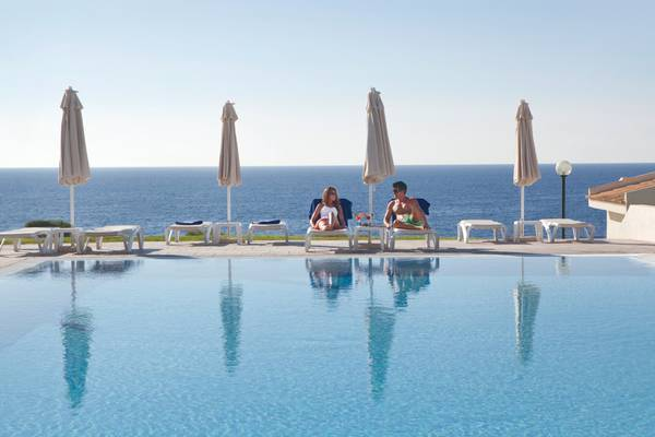 Exclusive infinity pool blau punta reina junior suites  majorca