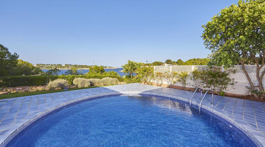 Pool-Villa Blau Privilege PortoPetro Beach Resort & Spa in Mallorca
