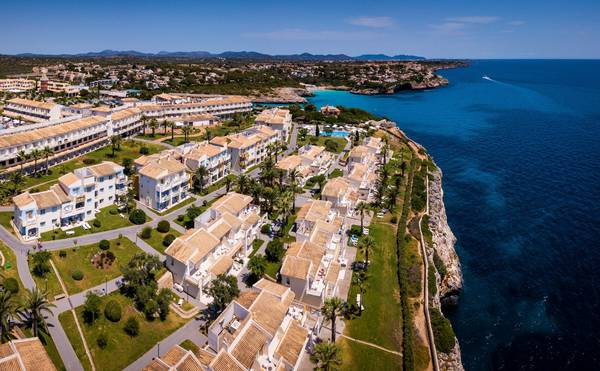 Hotel Blau Punta Reina Junior Suites  in Majorca