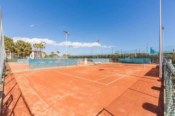 Tennis courts (€) blau colonia sant jordi resort & spa majorca