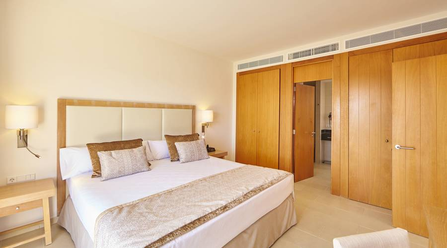 Suite Blau Privilege PortoPetro Beach Resort & Spa in Mallorca